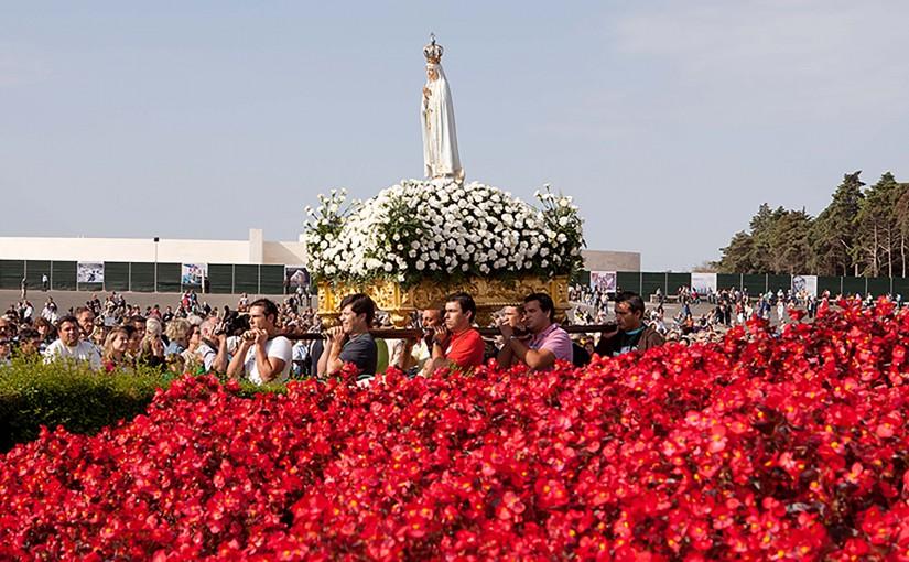 3 Procesión de la Virgen de Fátima