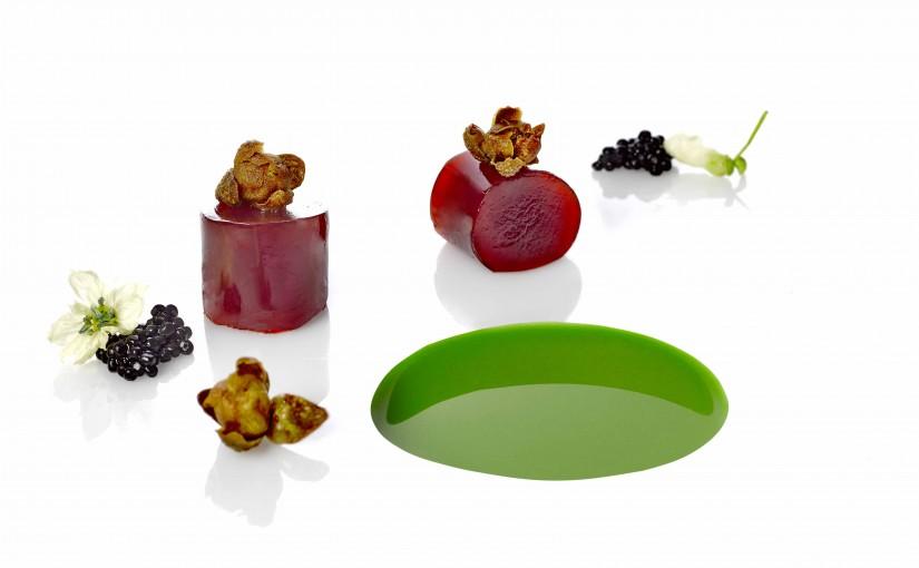 2Corral de la Moreria_Tuetano de cebolla roja, licuado de vainas y caviar