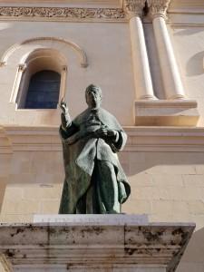 Estatua+de+Rodrigo+Borja+en+La+Seu+en+xátiva