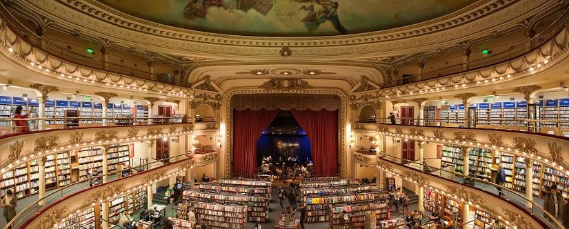 Un increible teatro de libros