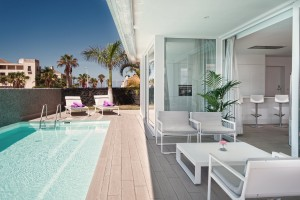 11 Luxury Elegance - pool - terrace