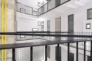Rooms-Rome-Jean-Nouvel-palacio-rhinoceros-patio-diariodesign