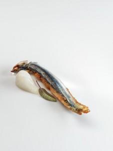 nerua anchoas fritas,crema de avena y salvia Foto Jose Luis Lopez de zubiria