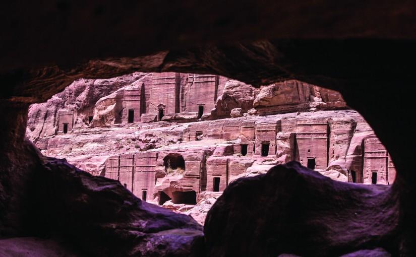 Petra, monumentalmente curiosa