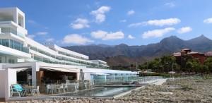 Baobab Suites - BB. Restaurant & Pool Area