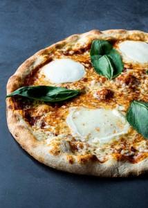 5 Pizza Regina margheritta di buffala-Oven(1)