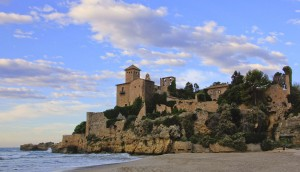 Platja_de_Tamarit_Tarragona_FerranLlorenç_Wikimedia Commons_-_2