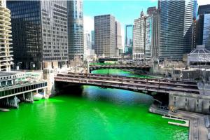 El río Chicago teñido de verde. ©Scott Olson.Getty Images