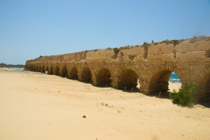 Foto 7 Playa de Cesarea_Acueducto romano