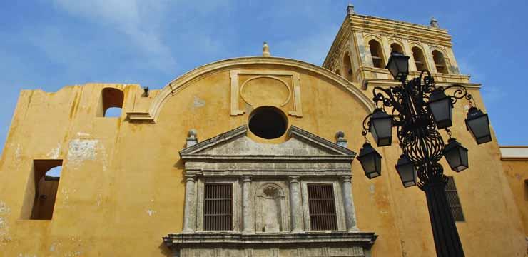 Cartagena de Indias: Heroica y Romántica